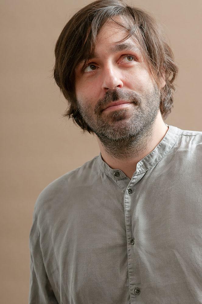 Andreas Klambauer, diplomierter Multimedialer Kunsttherapeut und Kreativtrainer.