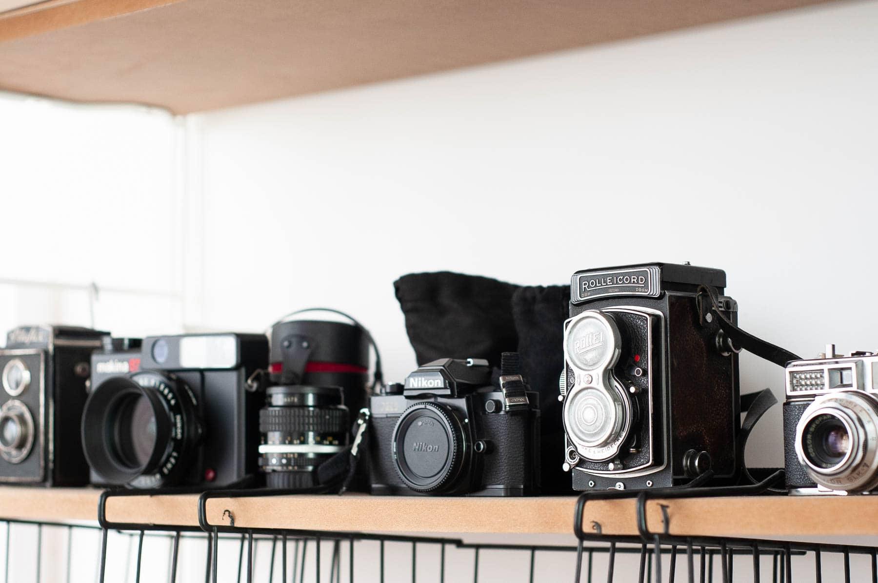 Die analoge Schwarz-/Weißfotografie ist Teil des Multimedialen Kreativtrainings und der Kunsttherapie im atelier mishugge in Wien 15.
