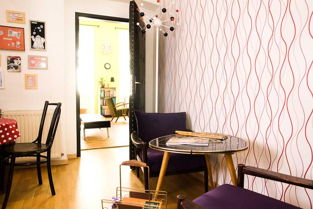 Im Therapiecafé Wien 15 bieten wir Psychotherapie, psychologische Beratung und Behandlung und Kunsttherapie in gemütlicher Kaffeehausatmosphäre.
